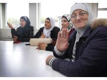 Boskolan är ett samarbete med SFI, där de som är nyanlända får  lära sig vad de har för rättigheter och skyldigheter som hyresgäster
