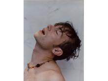 Wolfgang Tillmans, Damon, head up, 1995
