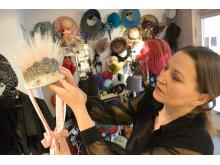 20 år med høytsvevende hodeplagg: Mona Strand
