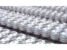 Den nye fabrikken til Entinox i Zaragoza i Spania har en kapasitet på 450 000 fat per år. Fatene er fremstilt av austenittisk rustfritt stål, og hvert fat har en overflate på to kvadratmeter.