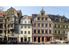 Erfurts Altstadt lädt zum Stadtbummel vor dem Besuch der Domstufen-Festspiele ein