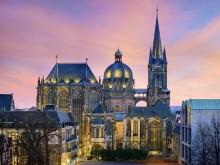 Aachen_Dom_im_Abendlicht
