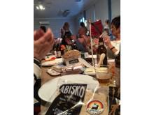 Surströmmingspremiär 2017 med Kallax Surströmming och tunnbrödet Abisko