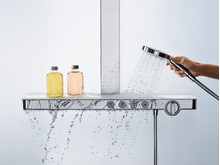 Hansgrohe_ShowerTablet_Select_700_People_Water