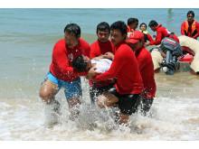 Frivilliga rödakorsare i Thailand utbildas i livräddning efter tsunamikatastrofen