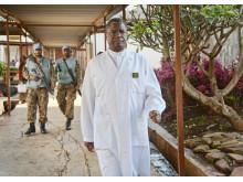 Mukwege med vakter