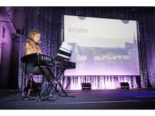 Die Künstlerin kristin (Singer/Songwriter) umrahmte das Programm