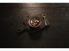 Mannagrynsgröt med rödbeta och kakaonibs på Scandic