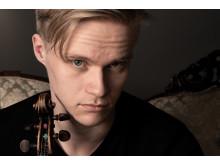 Violinisten Carl Vallin, mottagare av 2019 års Jan Wallanderpris. Foto: William Vallin.