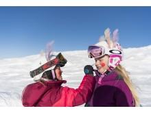 Easter skiing kids