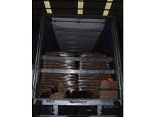 E 03 18 Loaded lorry