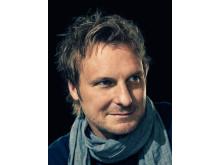 Stefan Andersson underhåller på välkomstfesten - Medborgarskapsceremonin 2014