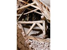 Tømmeret i rammekonstruktionen i spiret på Vissenbjerg Kirke
