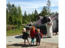 Sagoparken Trolska Skogen - Barn träffar draken Drakzo och får en berättelse av den snälla feen