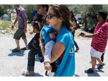 UNHCR personal med bebis på Lesbos, Grekland