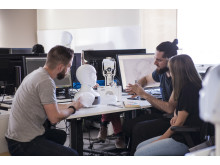 Arbete pågår med att utveckla Tengai - Furhat Robotics och TNG:s nya fördomsfria rekryteringsrobot Tengai
