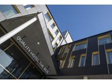 exterior-sky-quality-hotel-the-box