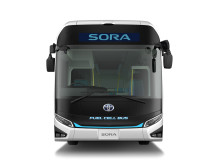 Sora är en drygt 10,5 meter lång stadsbuss med plats för 78 passagerare