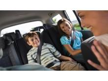 DA Direkt: Unterschätzte Gefahr - Ablenkung im Straßenverkehr_Mitfahrer und Kinder