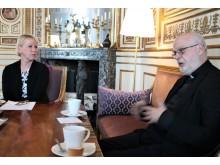 Anders Arborelius i mötet med Margot Wallström.