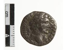 Romersk denar fra Hillested-skatten slået under Kejser Antoninus Pius