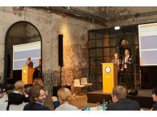 Christof Hardebusch, Chefredakteur des Magazins immobilienmanager und Verlagsleiter Programm des Immobilien Manager Verlag, und Steffen Uttich, Leiter Fondsmanagement bei der Beos AG, moderierten das immobilienmanager Megatrends IV Gipfeltreffen.