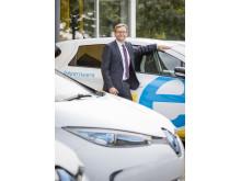 """""""Wir wollen damit an unseren Standorten Impulse setzen, E-Mobilität erlebbar machen, Berührungsängste abbauen und neue Erfahrungen sammeln"""", betonte Bayernwerk-Vorstandsvorsitzender Reimund Gotzel."""