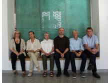 Fra venstre: Rektor Anja Teig, kunstkonsulent Ebba Bring, Kulturetatens konsulent Aud Ganberg, kunstner Mikkel Wettre, arkitekt Knut Nesje og prosjektleder Per Morten Kals.