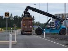 Lastning på Vaggeryds kombiterminal