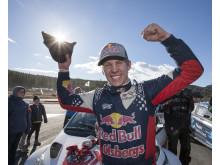 Oliver Eriksson tog hem segern i RallyX Nordic-premiären