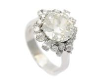 Klassiska 28/6, Nr: 157, RING, 18K vitguld, medium till briljantslipad diamant 3,51 ct