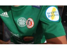 Sverige Bygger stöttar Celtic HuFF Soccer Academy tröjor