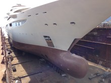 "Hi-res image - Coppercoat - Coppercoat-Superyacht being applied to mega-yacht ""Maryah"""