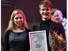 Pristagare Josef Wijk med Linda Palmbrandt, Kulturnämndens vice ordförande Högupplöst