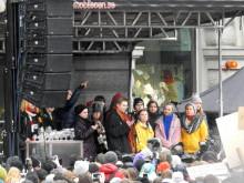 Skolstrejk för klimatet med Greta Thunberg på Mynttorget i Stockholm