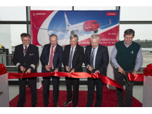 Ribbon cutting ceremony at Boeing's Delivery Centre in Seattle: Captain Sven Fermann Hermansen, COO of Norwegian, Asgeir Nyseth and CEO of Norwegian, Bjørn Kjos, together with representatives from Boeing