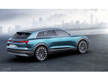 Audi e-tron quattro concept - static right side rear - electric green