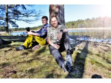 Jocke Sundberg & Stefan Gustafsson vid träd