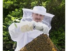 Kocken Paul Svensson med sina bin.