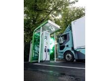 Laddstation Falutorget med ellastbil från Volvo