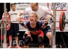Sofia tävlar i styrkelyft