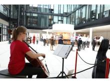 Cellokonzert in der Unternehmenszentrale