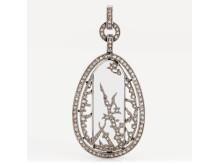 Fabergé hängsmycke platina, bergkristall och rosenslipade diamanter, design Alma Pihl