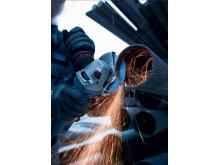 Skæring i stænger og armeringsjern med TYROLIT Premium 2in1 Deep Cut Protection