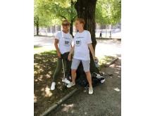 """Ausgerüstet mit Greifzangen und Planet 21-Shirts befreiten die Accor-Teams beim """"Ramadama"""" den Englischen Garten von Unrat © Accor/Marie Schwab"""