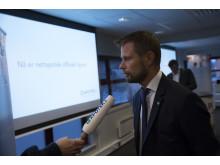 Helse- og omsorgsminister Bent Høie intervjues av Apotek 1 TV på lansering av nettapotek