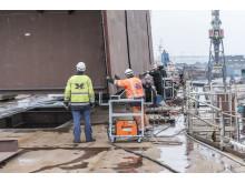 Skorsten påsættes den nye færge M/F Berlin