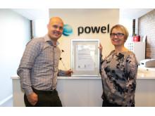 Arnstein Kjesbu, EVP og Hanne Bårdsen, Business Manager Quality and Improvement med ISO-sertifikatet