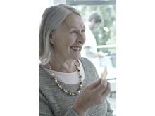 Kvindelig beboer på plejehjem
