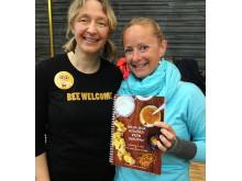 Ny bok om hudvård och hälsa från bikupan